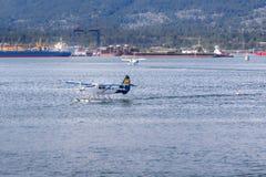 VANCOUVER BC KANADA - 6. JUNI 2016: Beherbergten Sie Luft Dehavilland-Otter Vancouver-` s im Kohlen-Hafen lizenzfreies stockfoto
