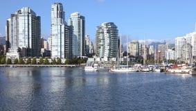 Vancouver-BC Südufergegend-Skyline u. -segelboote. Lizenzfreies Stockfoto