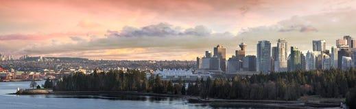 Vancouver-BC Stadt-Skyline und Stanley-Park Stockfotos