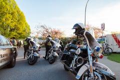 VANCOUVER, A.C., CANADÁ - 20 DE ABRIL DE 2019: Motocicletas de VPD y vehículos de la patrulla en el festival 420 en Vancouver fotos de archivo libres de regalías
