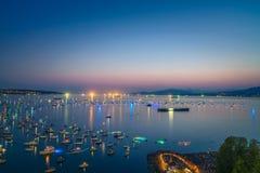 Vancouver A.C. Canadá, julio 28,2018 La celebración de Honda de la luz, fuegos artificiales de la noche de Suráfrica en la bahía  imagen de archivo