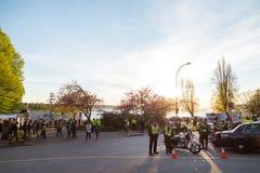 VANCOUVER, A.C., CANAD? - 20 DE ABRIL DE 2019: Oficiales de polic?a de Vancouver que patrullan a la muchedumbre en el festival 42 fotos de archivo