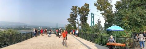 VANCOUVER, CANADA - 10 AGOSTO 2017: Turisti nel punto l di Propect Fotografia Stock