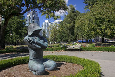VANCOUVER, CANADA - AUGUST 27, 2016: Statue in front of Pacific Royalty Free Stock Photo
