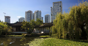 VANCOUVER, CANADA - AUGUSTUS 24, 2016: Chinese Tuin in stadscent Royalty-vrije Stock Afbeeldingen