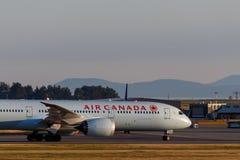 Vancouver, Canada - Circa 2018: Air Canada Boeing 787 bij YVR binnen Royalty-vrije Stock Foto