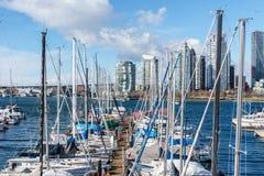 VANCOUVER, CANADA - 25 février 2018 : False Creek dans le Canada de Vancouver au jour d'hiver ensoleillé Photo stock
