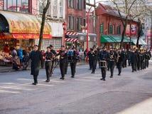 VANCOUVER, CANADA - Februari 18, 2018: Het marcheren Band die tijdens Chinese Nieuwjaarparade presteren in de Chinatown van Vanco Royalty-vrije Stock Afbeelding