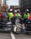 VANCOUVER, CANADA - Februari 18, 2018: Van de de Politieafdeling van Vancouver de ambtenaren van Motocycle bij Chinese Nieuwjaarp Stock Afbeeldingen