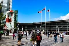 VANCOUVER CANADA - 12 JUNI 2018: De toeristen verzamelen zich op de plaats van Canada, Vancouver Canada Een iconische vlek in Van stock afbeelding