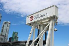 Vancouver Canada, 15 Juni 2018: Redactiefoto van het teken voor de haven van Vancouver dit is waar alle stock foto