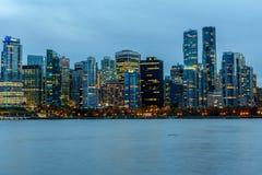 Vancouver, Canada, 12 Oktober 2016 Nachtlichten in de Bestelwagen van de binnenstad Royalty-vrije Stock Afbeelding