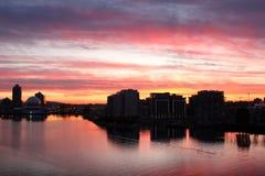 Vancouver, crique fausse, lever de soleil de condominium Image stock