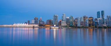 Vancouver del centro nella sera blu Immagine Stock Libera da Diritti
