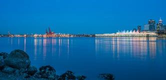 Vancouver del centro nella sera blu Fotografia Stock Libera da Diritti