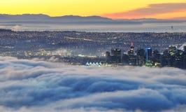 Vancouver del centro in un'alba nebbiosa Fotografia Stock Libera da Diritti