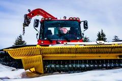 Vancouver del nord, Canada - 21 maggio 2017 gatto delle nevi, macchina per rimozione di neve, montagna di urogallo Fotografie Stock