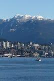 Vancouver del norte, entrada de Burrard, montañas de la costa Imagen de archivo