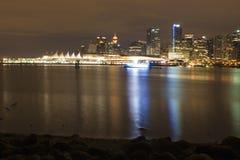 Vancouver en la noche Imágenes de archivo libres de regalías