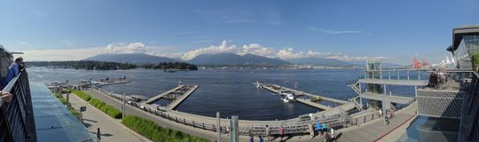 Vancouver-Hafen angesehen vom Konferenzzentrum-Westen lizenzfreies stockfoto