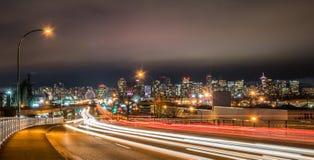 Vancouver i stadens centrum natt på aven för E 1. Royaltyfri Bild