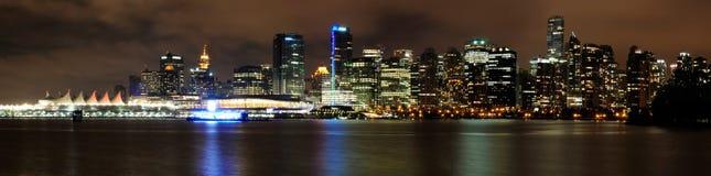Vancouver im Stadtzentrum gelegen nachts Lizenzfreie Stockfotos
