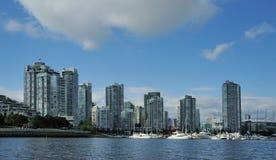 Vancouver im Stadtzentrum gelegen vom Wasser Stockbilder