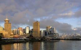 Vancouver-im Stadtzentrum gelegene Skyline Stockfotografie