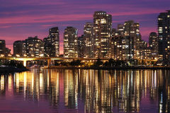 Vancouver-im Stadtzentrum gelegene Wasserreflexion Lizenzfreies Stockbild