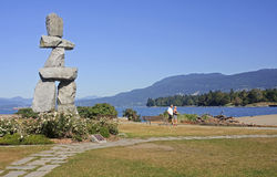 VANCOUVER, KANADA - 24. AUGUST 2016: Inukshuk-Markstein am 24. August Stockfotografie