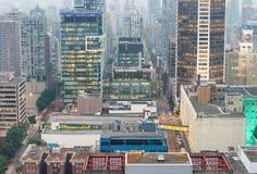 VANCOUVER KANADA - AUGUSTI 10, 2017: Byggnadsljus av centret Arkivfoto