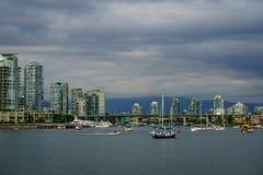 Vancouver Kanada - Juni 13, 2017 byggnader i i stadens centrum Vancouver Arkivfoton