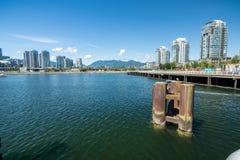 Vancouver Kanada - Juni 20, 2017: Den olympic byn på Flase Arkivfoto