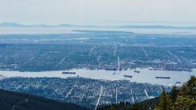 VANCOUVER KANADA, Maj, - 21, 2017: Widok od Grouce góry, Vancouver kolumbiowie brytyjska Kanada na chmurzącym dniu Fotografia Stock