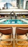 Vancouver Kanada - September 12, 2018: Vardagsrumstolar, Lido däck, Volendam skepp royaltyfria bilder