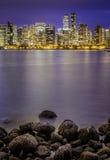 Vancouver la nuit dans le Canada Photo libre de droits