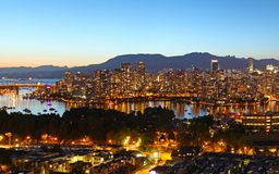 Vancouver nachts lizenzfreie stockfotografie
