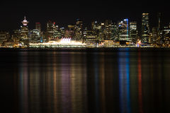 Vancouver-Skyline nachts stockbilder