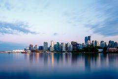 Vancouver-Skyline am Sonnenuntergang Stockbild