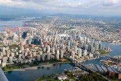 Vancouver som är i stadens centrum från skyen Arkivbild