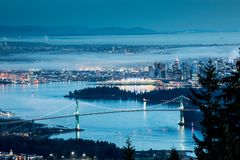Vancouver stad i natten royaltyfria foton