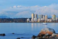 Vancouver-Stadtbild und Waldhuhnberg Stockfotografie