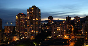 Vancouver Wysoki mieszkanie Buidings przy świtem Zdjęcia Royalty Free