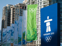 Vancôver 2010 - Bandeiras olímpicas Fotografia de Stock