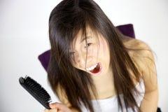 Vandaag drijft mijn haar gek me Stock Foto's