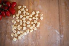 Vandaag, gnocchi! Een zeer goed Italiaans voedsel! royalty-vrije stock afbeeldingen