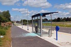 Vandaliserad hållplats Arkivbild