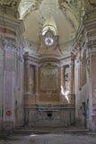 Vandalismus in der Kirche Stockbilder
