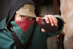 Vandalo travestito della pittura di spruzzo Fotografie Stock Libere da Diritti