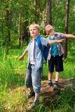 vandrar barn Fotografering för Bildbyråer